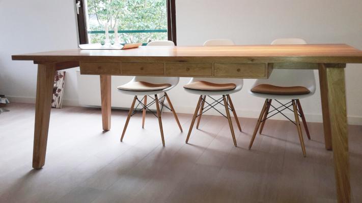 Tisch in Eiche Altholz Restholz